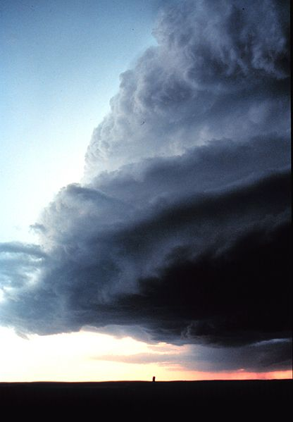 A supercell thunderstorm over Texas. Credit: Wikimedia Commons
