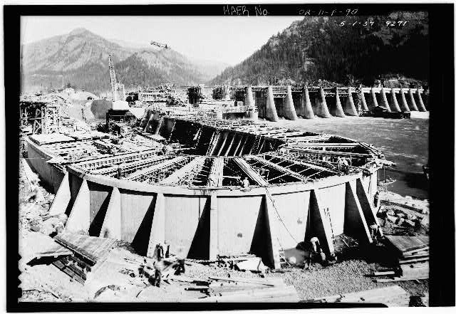 Construction of the first fish ladder on the washington for Construction bonneville