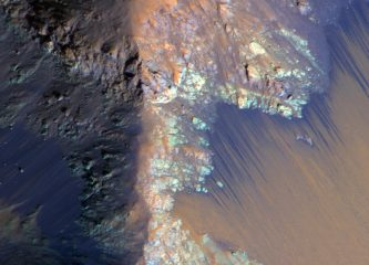 An enhanced color image of recurring slope lineae (RSL) on Mars.  ©NASA/JPL-Caltech/Univ. of Arizona