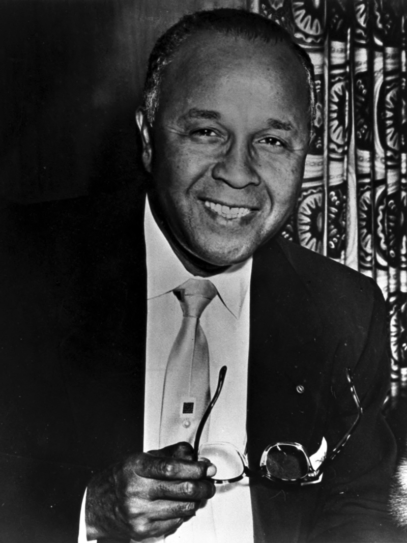 percy julian biography Percy lavon julian, born on 11 april 1899, hailed from montgomery, alabama  and he was the eldest of six children his mother was elizabeth lena julian.